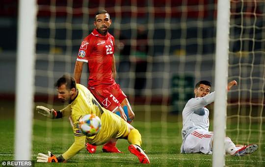 Sao 36 tuổi lập công, Ý tạo mưa bàn thắng ở vòng loại Euro 2020 - Ảnh 6.