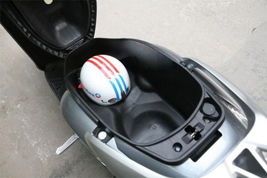 5 vật dụng bỏ vào cốp xe có thể nổ tung bất ngờ - Ảnh 2.