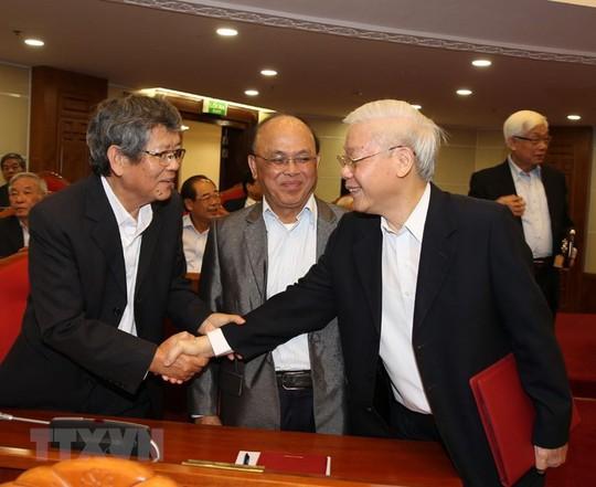 Ban Bí thư Trung ương Đảng gặp mặt cán bộ lãnh đạo nghỉ hưu - Ảnh 2.