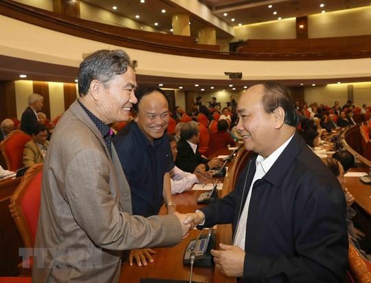 Ban Bí thư Trung ương Đảng gặp mặt cán bộ lãnh đạo nghỉ hưu - Ảnh 3.