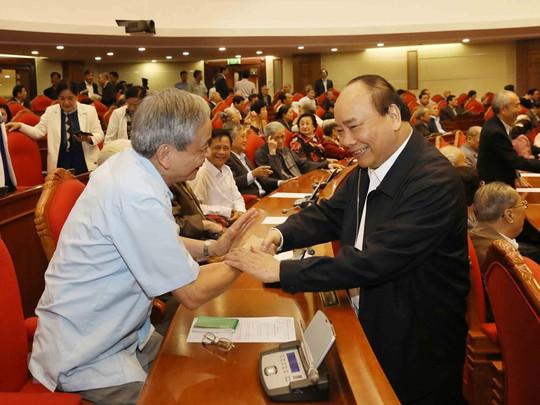 Ban Bí thư Trung ương Đảng gặp mặt cán bộ lãnh đạo nghỉ hưu - Ảnh 4.