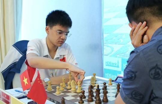 Thua sốc Anh Khôi, Lê Quang Liêm suýt rơi Top siêu đại kiện tướng - Ảnh 6.