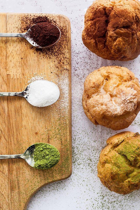 Bánh kem và trà sữa Laetitia & LightBulb hạ gục du khách tại lễ hội Hoa anh đào Nhật Bản - Ảnh 2.