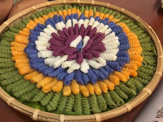 Cả trăm loại bánh dân gian hội tụ ở lễ hội