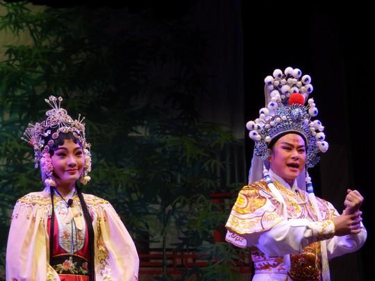 Ấn tượng cải lương Việt với Triều kịch Quảng Đông - Ảnh 1.