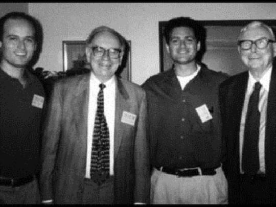 """""""Cánh tay phải"""" của Warren Buffett tại đế chế đầu tư là ai? - Ảnh 15."""