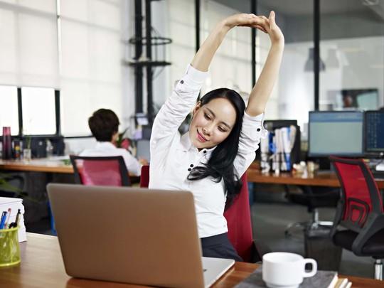 4 cách giảm mỡ bụng hiệu quả cho các chị em văn phòng - Ảnh 1.