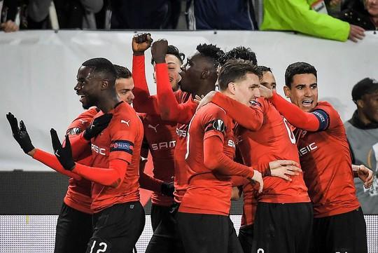 Thua ngược Rennes trên đất Pháp, Arsenal mơ theo bước Man United - Ảnh 7.