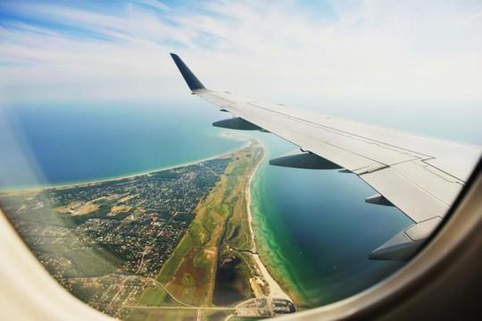 Vì sao bạn phải mở màn cửa sổ khi máy bay cất và hạ cánh? - Ảnh 3.