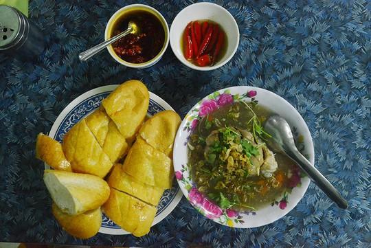 Những món ăn làm nên thương hiệu ẩm thực đất võ Bình Định - Ảnh 3.