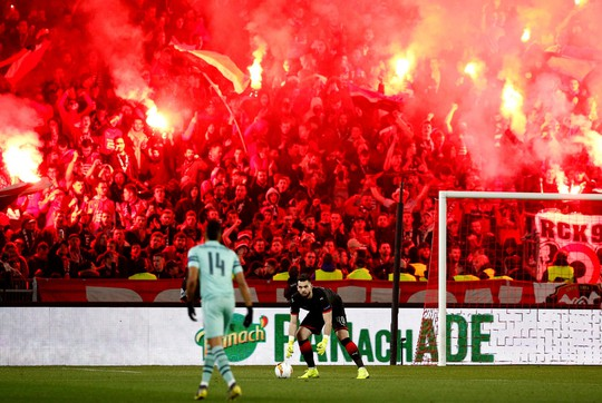 Thua ngược Rennes trên đất Pháp, Arsenal mơ theo bước Man United - Ảnh 3.