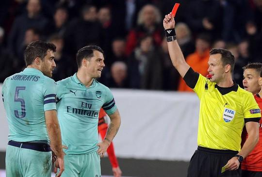Thua ngược Rennes trên đất Pháp, Arsenal mơ theo bước Man United - Ảnh 4.