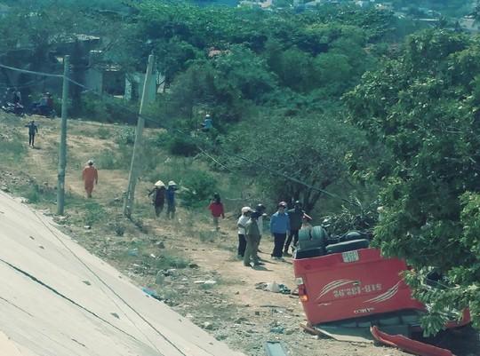 Xe chở đoàn khách Hàn Quốc gặp nạn ở Bình Thuận - Ảnh 3.