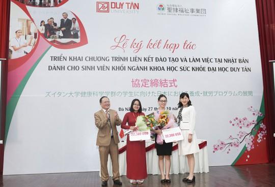 """Ngành Điều dưỡng Duy Tân với học bổng """"Xuất ngoại"""" Photo-1-15520983300255358703"""
