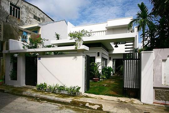 Nhà 2 tầng siêu đẹp, thiết kế hiện đại nhưng đượm hồn quê - Ảnh 1.
