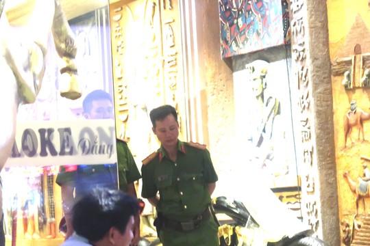 Công an TP HCM đang phong tỏa karaoke của đại gia Phúc XO - Ảnh 2.