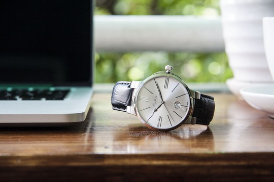 5 thương hiệu đồng hồ Thụy Sĩ bán chạy tại Việt Nam - Ảnh 1.