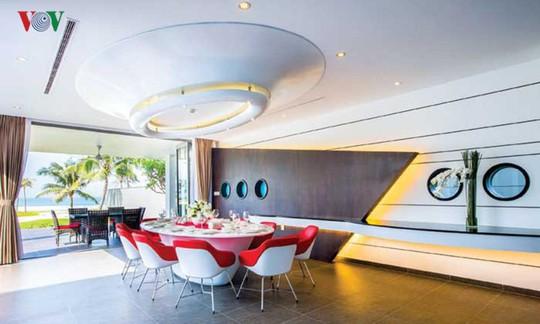 Ngôi nhà với cảm hứng thiết kế từ đại dương - Ảnh 9.