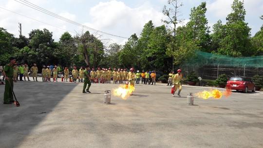 Tập huấn PCCC cho lực lượng tại chỗ của VWS - Ảnh 2.