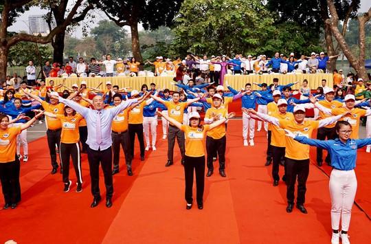 Bộ trưởng Nguyễn Thị Kim Tiến: Tôi thích vận động, cố gắng đi 10.000 bước mỗi ngày - Ảnh 1.