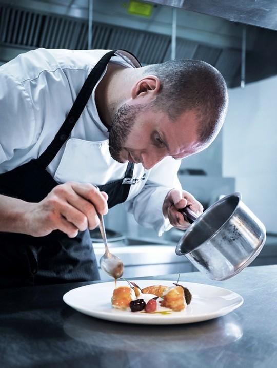 Trải nghiệm ẩm thực 2 sao Michelin tại JW Marriott Phu Quoc đúng dịp nghỉ lễ 30-4, 1-5 - Ảnh 3.