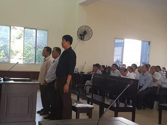 Cuu Giam doc So Dia chinh Binh Duong mua hon 75 ha dat cho nguoi than dung ten