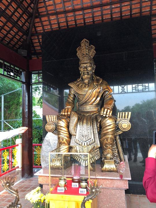 Ra mắt Quảng trường Hùng Vương tại Đầm Sen - Ảnh 2.