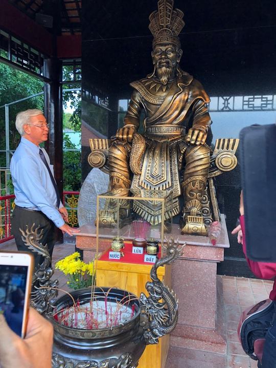 Ra mắt Quảng trường Hùng Vương tại Đầm Sen - Ảnh 1.