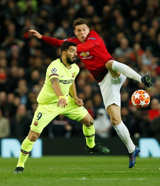 Man United gục ngã sân nhà, Juventus rơi chiến thắng ở Amsterdam - Ảnh 2.