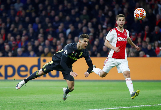 Man United gục ngã sân nhà, Juventus rơi chiến thắng ở Amsterdam - Ảnh 9.