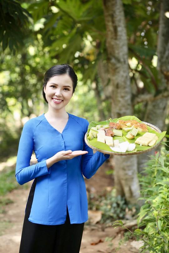 Hoa khôi Huỳnh Thúy Vi làm đại sứ lễ hội bánh dân gian Nam Bộ - Ảnh 6.