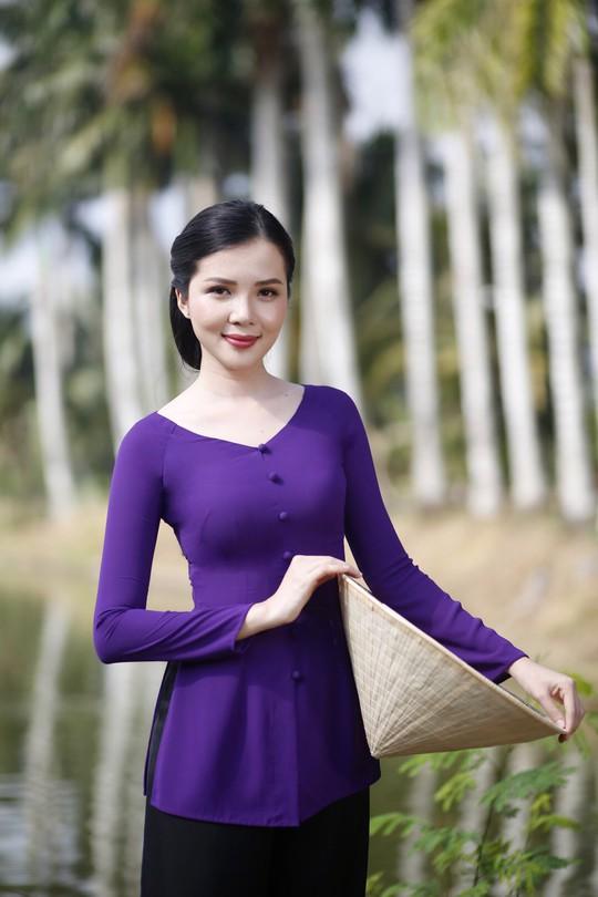Hoa khôi Huỳnh Thúy Vi làm đại sứ lễ hội bánh dân gian Nam Bộ - Ảnh 10.