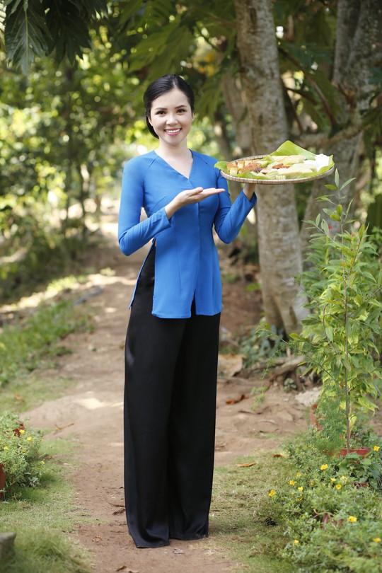 Hoa khôi Huỳnh Thúy Vi làm đại sứ lễ hội bánh dân gian Nam Bộ - Ảnh 11.