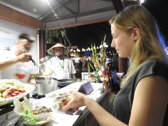 Độc đáo liên hoan ẩm thực quốc tế Thách thức Cao Lầu tại Hội An - Ảnh 11.