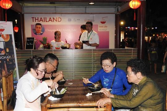 Độc đáo liên hoan ẩm thực quốc tế Thách thức Cao Lầu tại Hội An - Ảnh 12.