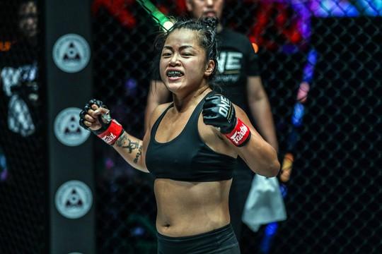 Siêu võ sĩ Việt Nam Martin Nguyễn bảo vệ thành công đai vô địch - Ảnh 6.