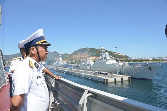 2 tàu hộ vệ tên lửa Đinh Tiên Hoàng và Trần Hưng Đạo thăm Trung Quốc - Ảnh 1.