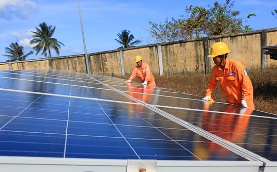 Điện mặt trời trên mái nhà, ích lợi cho mọi người - Ảnh 4.