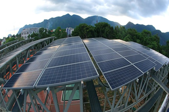 Điện mặt trời trên mái nhà, ích lợi cho mọi người - Ảnh 3.