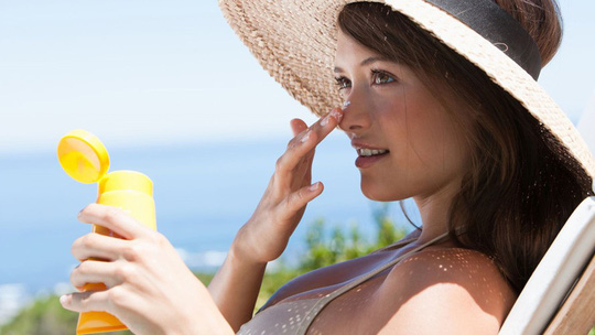 Mẹo đơn giản mà hiệu quả giúp da không bị bắt nắng ngày hè - Ảnh 5.