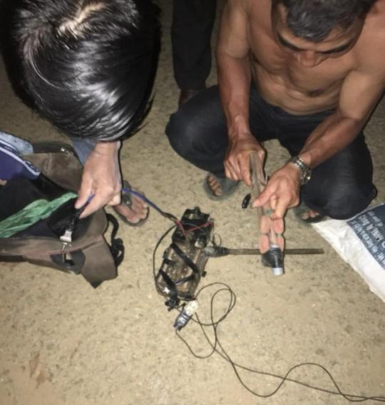 Quảng Nam: Người dân vây bắt kẻ trộm chó trong đêm - Ảnh 2.