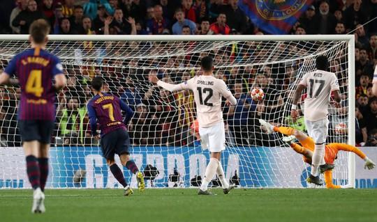Messi tỏa sáng, Man United trắng tay Champions League - Ảnh 6.