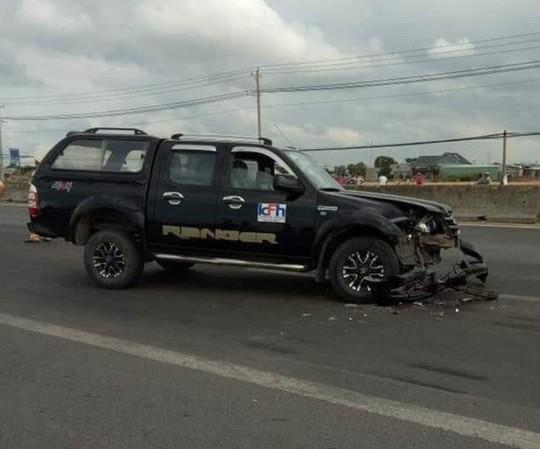 Tài xế dùng búa tấn công người, đâm xe vào CSGT khiến 2 chiến sĩ bị thương - Ảnh 3.