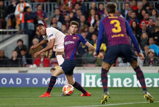 Messi tỏa sáng, Man United trắng tay Champions League - Ảnh 3.