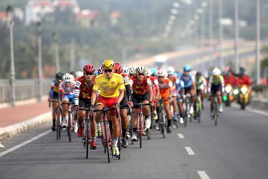 Giải xe đạp tranh Cúp Truyền hình TP HCM: Vũ Thành An về nhất chặng 6 - Ảnh 3.