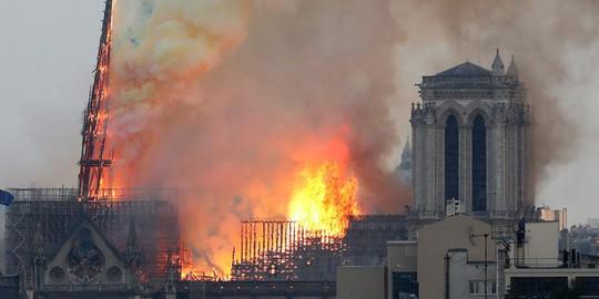 Nhiều điều chưa biết sau vụ Thánh đường Notre Dame de Paris bị thiêu hủy - Ảnh 1.