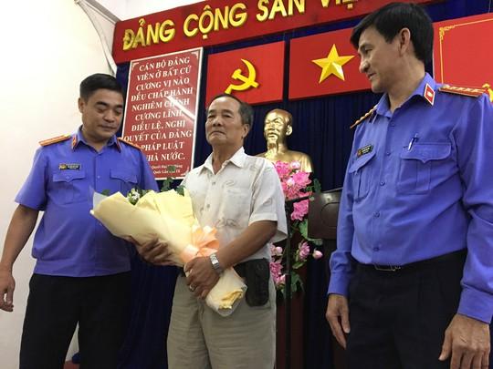 Cu ong khong nhan loi xin loi suong cua VKS doi boi thuong 99 ti dong