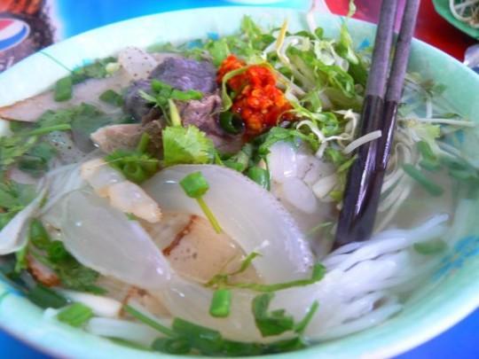 Khám phá bún sứa đặc sản Nha Trang khiến chị em mê mẩn - Ảnh 2.