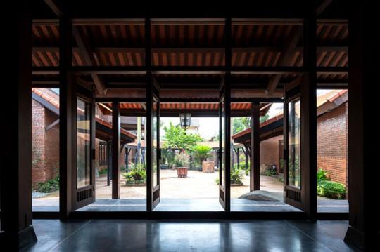 Ngôi nhà như ruộng mấp mô đạt giải vàng kiến trúc Việt Nam - Ảnh 5.