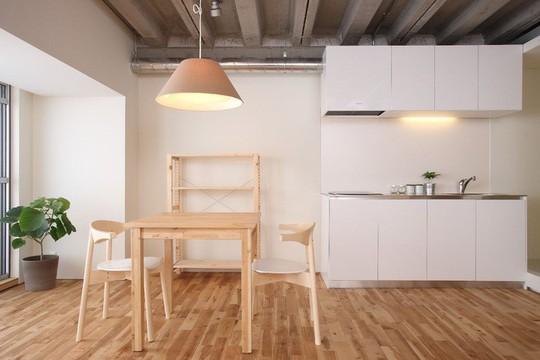 Bí mật bất ngờ bên trong căn nhà áp dụng phong cách tối giản ở Nhật - Ảnh 5.